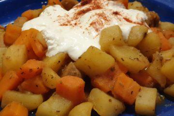 kartoffel-möhren-gulasch